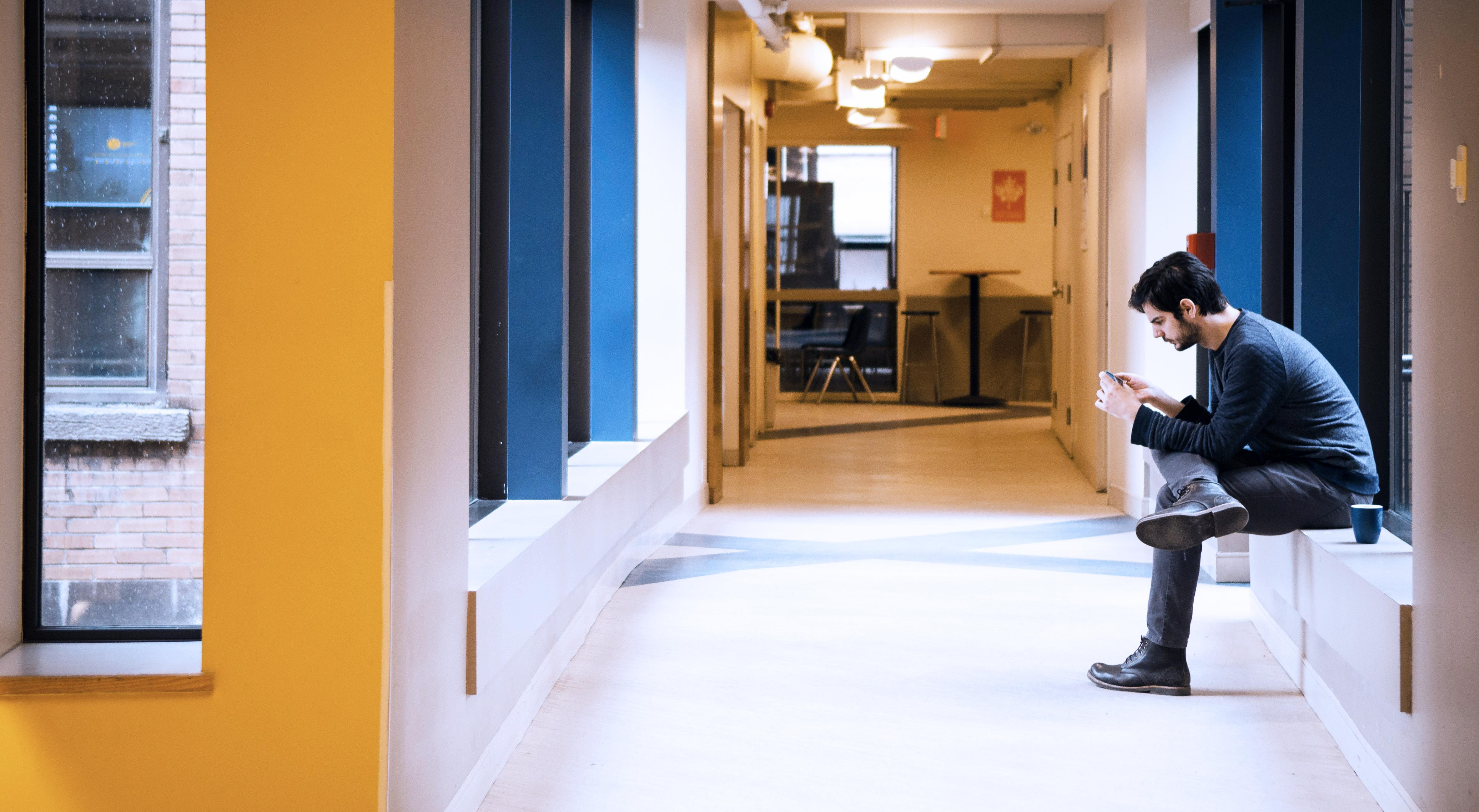 ilsc-montreal-campus-hallway