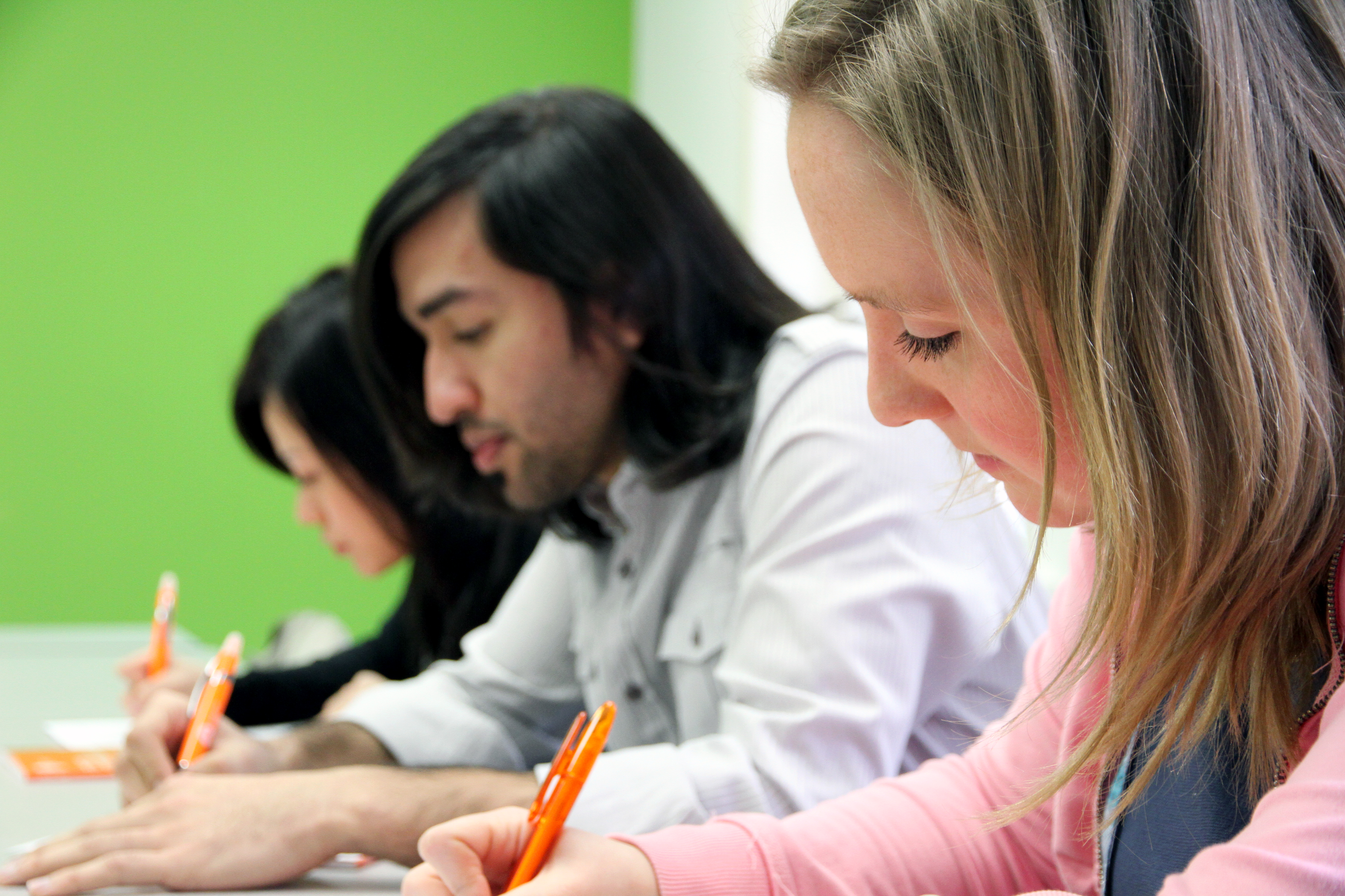 ilsc-vancouver-students-taking test