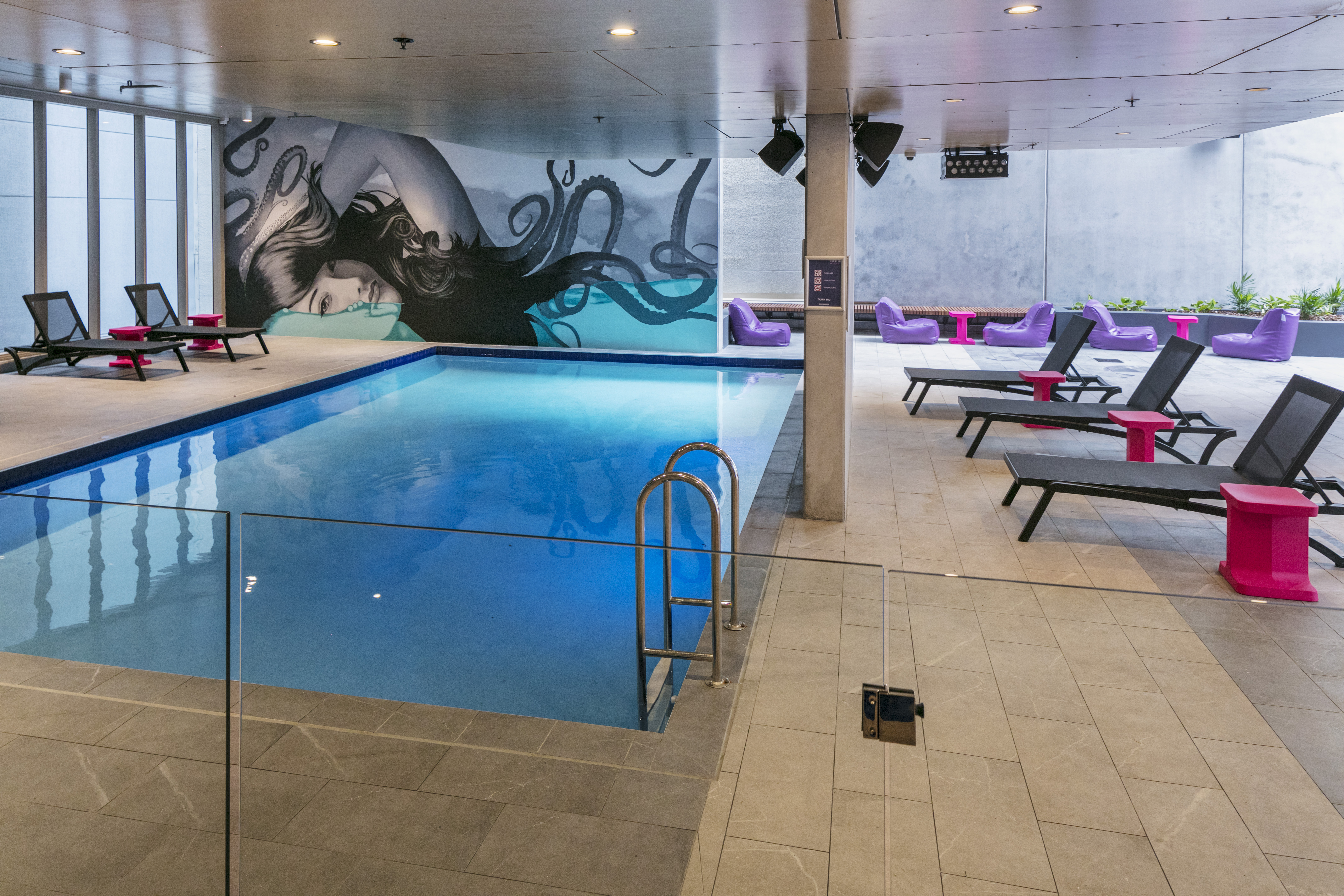 brisbane_student_apartments_pool