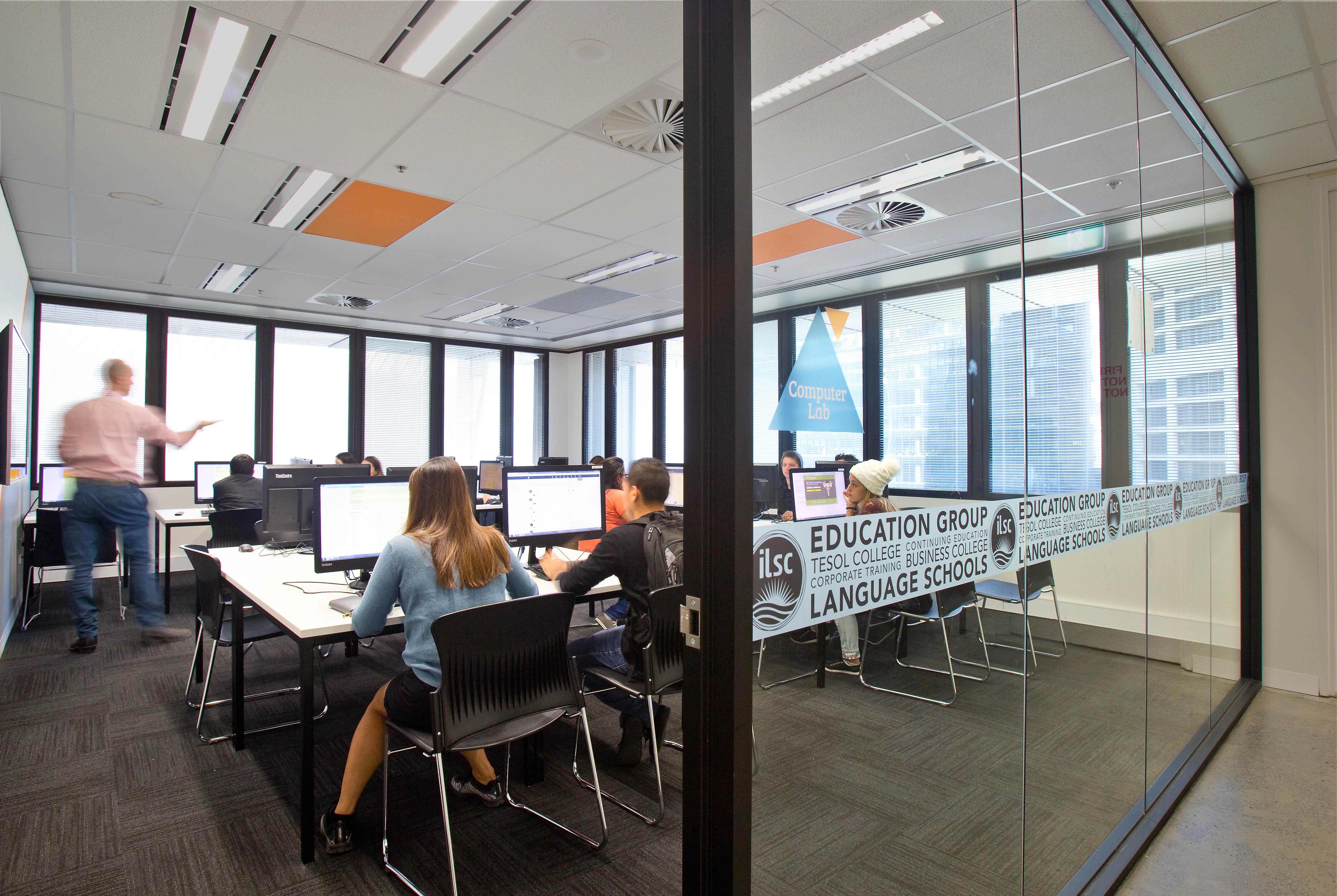 ilsc-sydney-campus-computer-lab-2